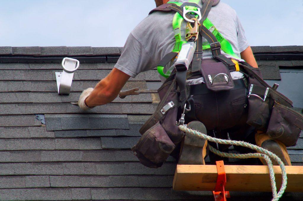 CF Breeze Construction - Disaster Roof Repair
